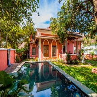 Villa Shore Bar 3 bedroom Beach Villa in Anjuna, Goa